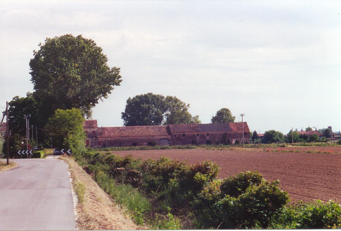 Il Palazzone con la celebre quercia. La località, pur trovandosi per poco nel territorio di Mirano, è stata sempre storicamente legata alla parrocchia di Salzano.