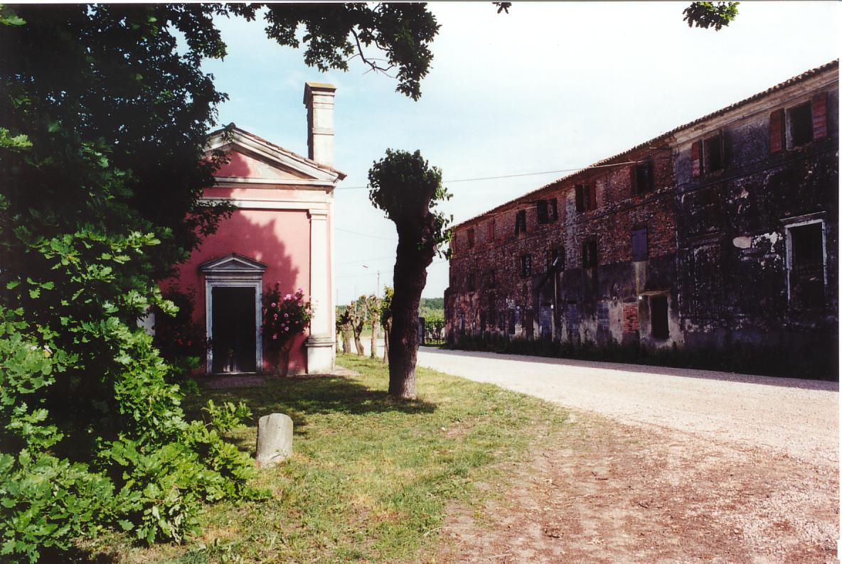Oratorio e Palazzone verso est.