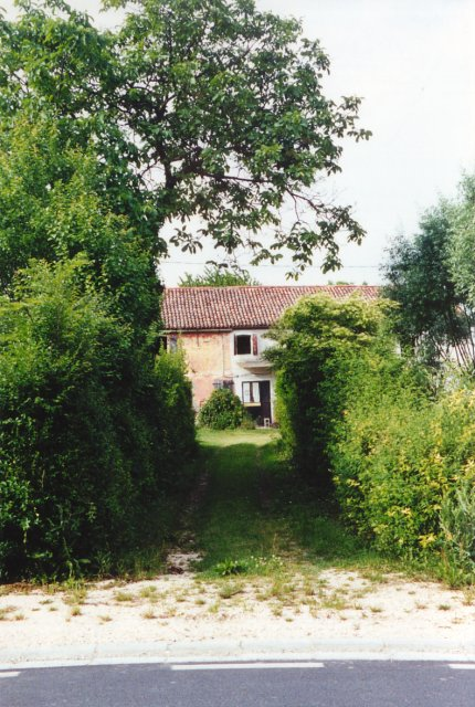 Un'altra vecchia casa rustica.