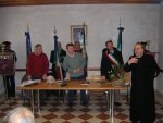 Mons. Giuseppe Vardanega saluta il pubblico prima della presentazione del libro