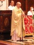 Mons. Giuseppe Vardanega fa gli onori di casa