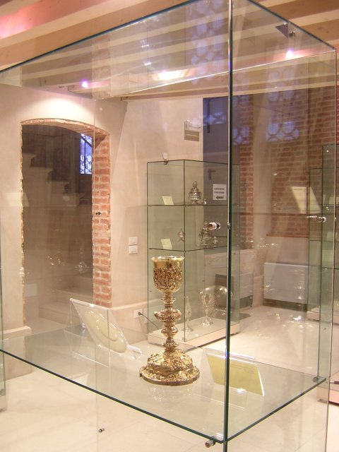 La pisside più antica del museo. Risale al 1754. Vedi la scheda relativa del catalogo.