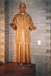"""Statua di S. Pio X nella Chiesa Cattolica """"Mater Christi"""" di Seaton (1967), Adelaide, Sud AustraliaSt. Pius X statue in Catholic Church """"Mater Christi"""" in Seaton (1967), Adelaide, South Australia"""
