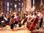 Alcuni dei numerosi componenti dell'orchestra