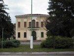 Il vecchio municipio (1934), odierna biblioteca.